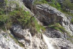 Voda je pritekala na vsakih nekaj metrov...